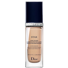 Dior Diorskin Star Studio Make-up SPF 30 - Rozjasňující tekutý make-up 30 ml - 023 Pêche